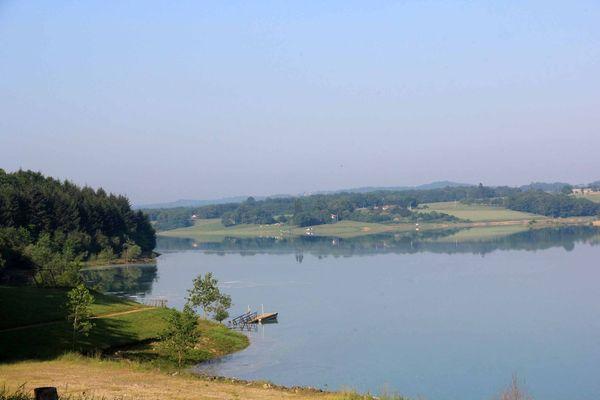 Lac-de-la-Gimone-boulogne-sur-gesse-pyrennes-haute-garonne