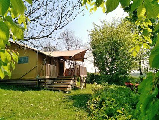 Lodge-camping-nature