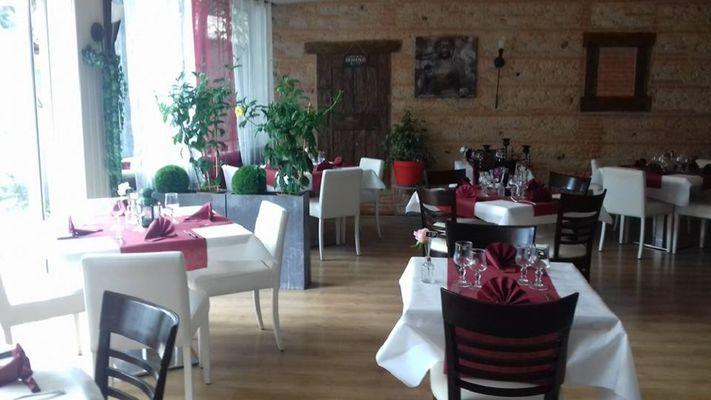 Restaurant Auberge ariegeoise CAZERES salle