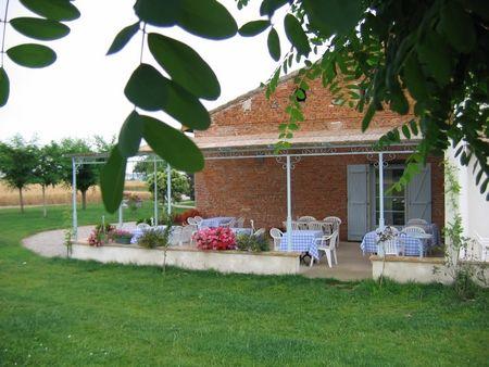 Terrasse extérieure La Métairie PAULHAC RN