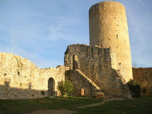 Donjon du chateau Comtal AURIGNAC