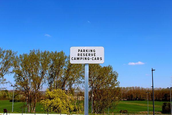 aire-campin-car-quai-de-garonne-grenade-Credit-Office-de-Tourisme-Hauts-Tolosans--3-