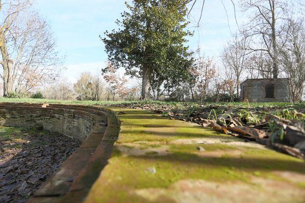 bassin domaine de la terrasse CARBONNE