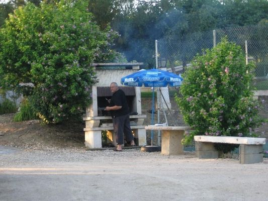 barbecue saint georges SARRECAVE