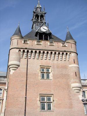 Le donjon du capitole ou tour des archives toulouse tourisme haute garonne - Office tourisme de toulouse ...