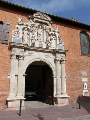 eglise pierre chartreux 1 TOULOUSE