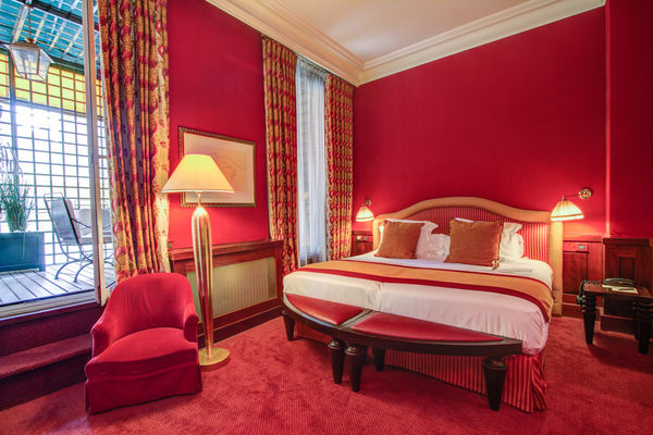 grand-hotel-de-l-opera-3398-chambre-deluxe-privilege-1-©ChateauxetHotelsCollection