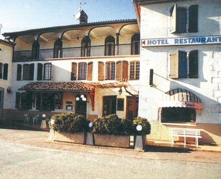 hotel de france entree MANE