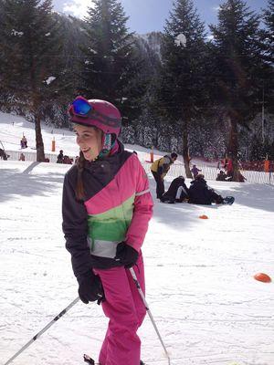jeune fille ski mourtis BOUTX