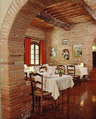 restaurant hotel ratelier MONTAIGUT SUR SAVE