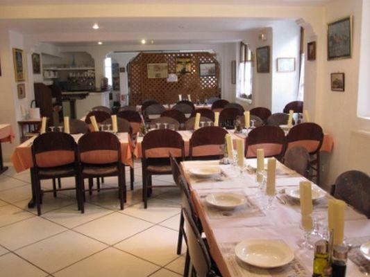salle restaurant 2 hotel opiddum SAINT BERTRAND