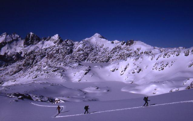 ski bureau guide BAGNERES DE LUCHON