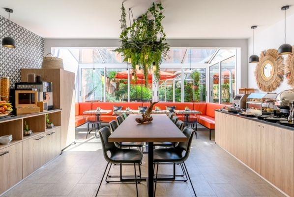 5-breakfast-room