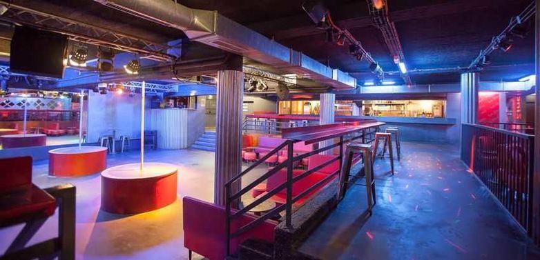 Night club le Zinc