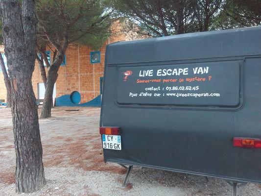 Live Escape Van2