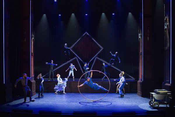 Cirque-Eloize-Hotel