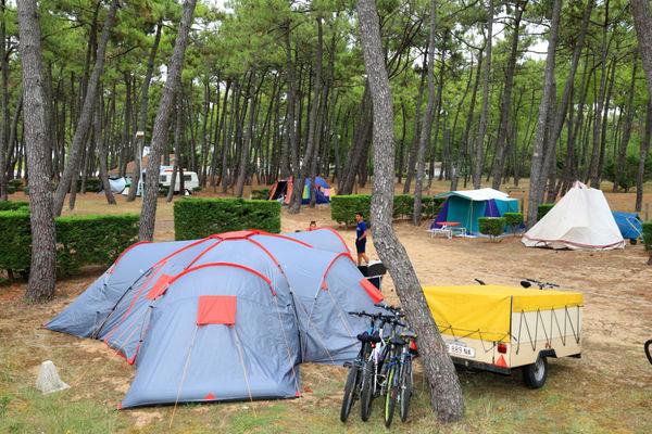 EmplacementCampeur-Camping-LaGriere-LaTranchesurMer (4)-w1200-h1200