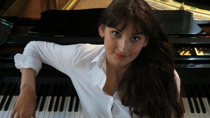 au-piano-1240x698