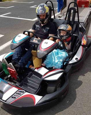 famille-karting-enfants-la-jonchere