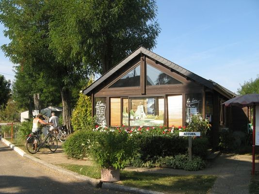 Camping_Poilly_Touristique_01