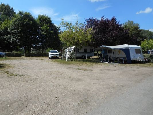 Camping le Jardin de Sully _ Camping Cars