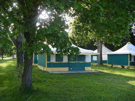 tente-toile-camping-couleurs-de-monde-faverolles-sur-cher
