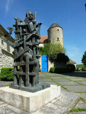 06Les Arques - Sculpture de Zadkine © Lot Tourisme - C. Sanchez