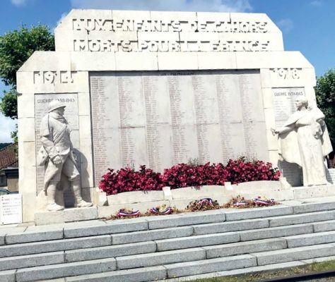 11 nov presentation monument aux morts