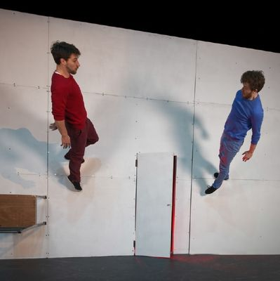 16 jav Cirque acrobatique