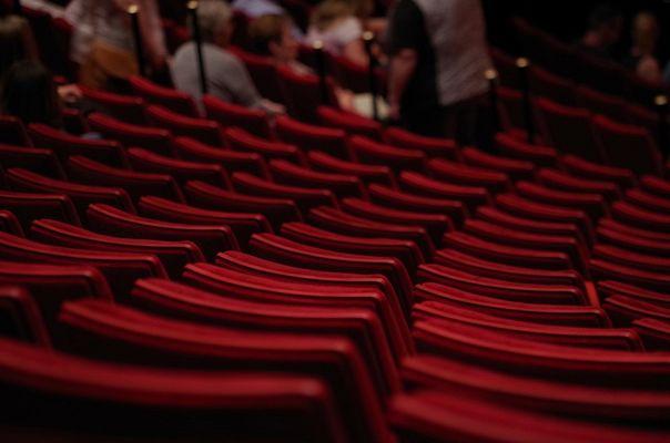 theater-1477670_1280©HolgersFotografie