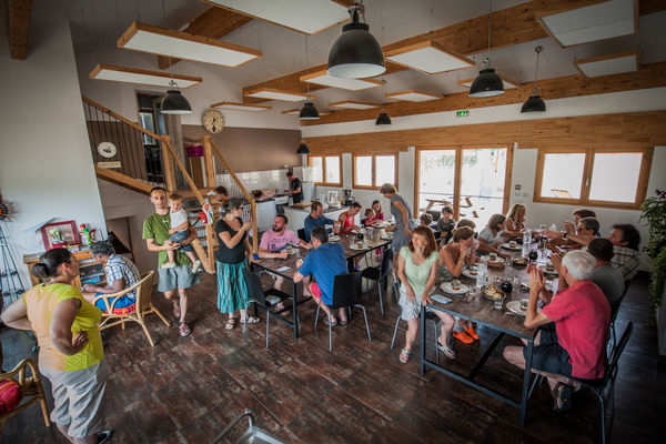 A table - Gîte d'étape Poudally à Lalbenque_09 © Lot Tourisme - C. ORY