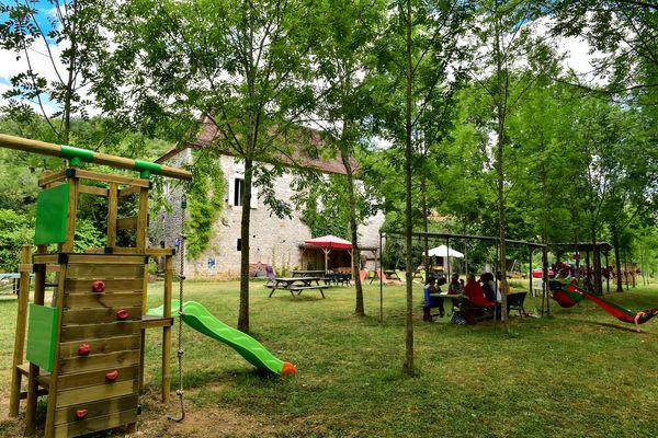 Aire de jeux et de pique-nique - Nature et Loisirs_01 © Lot Tourisme - C. ORY