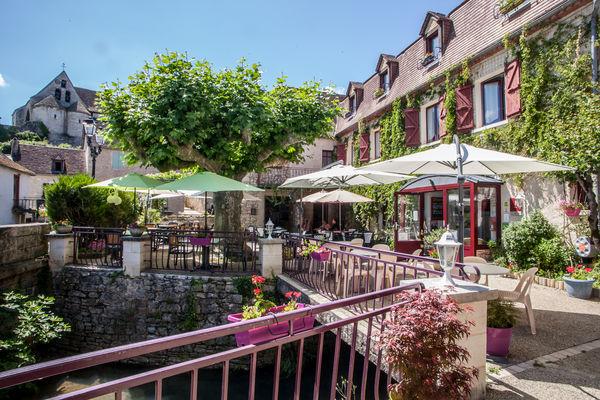 Auberge de Lile-creysse - Terrasse exterieure