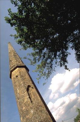 Figeac : Monument dit L'Aiguille du Pressoir