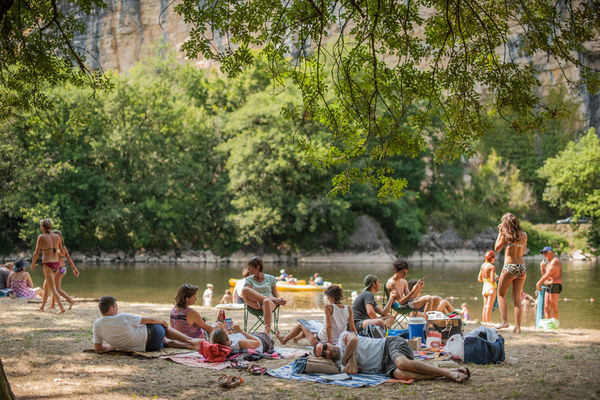 Baignade dans la Dordogne à Gluges_06 © Lot Tourisme - C. ORY