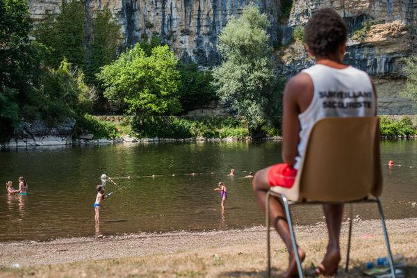 Baignade dans la Dordogne à Gluges_07 © Lot Tourisme - C. ORY