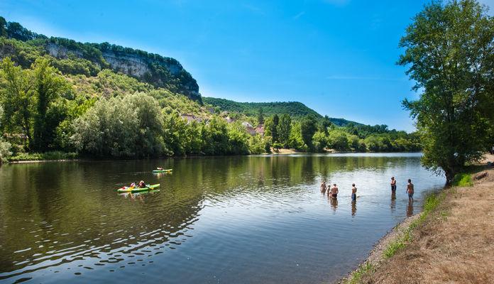 Baignade dans la Dordogne à Vayrac_01 © Lot Tourisme - C. ORY