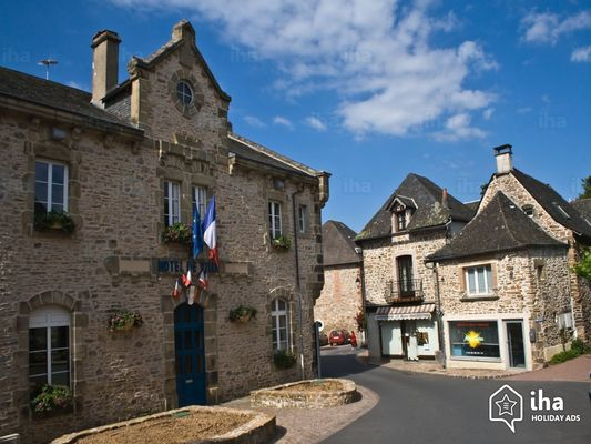 Beynat-Le-village-de-beynat