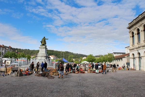 Brocante à Cahors--© Lot Tourisme A. Crépin-3