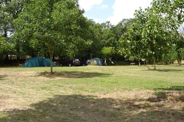 Camping L'osienne-Lissac et mouret