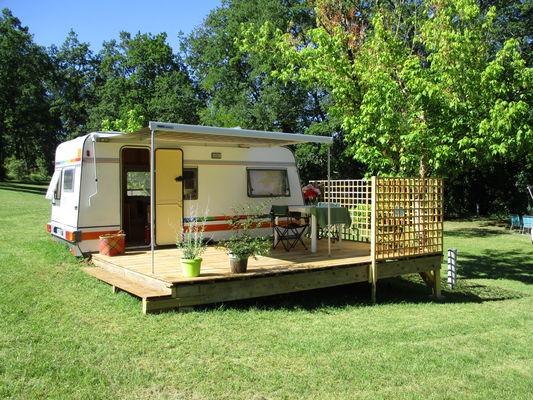 Camping Le Paradis - Location Caravane