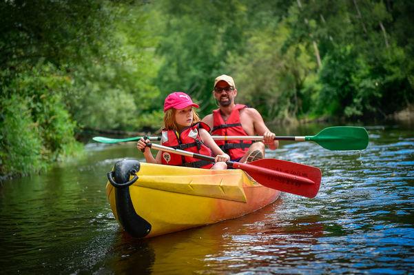 Canoe en famille sur le Célé -® Lot Tourisme - C. ORY