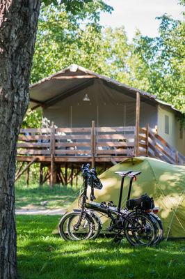 Cabane lodge - Camping du Port à Creysse_17 © Lot Tourisme - C. ORY
