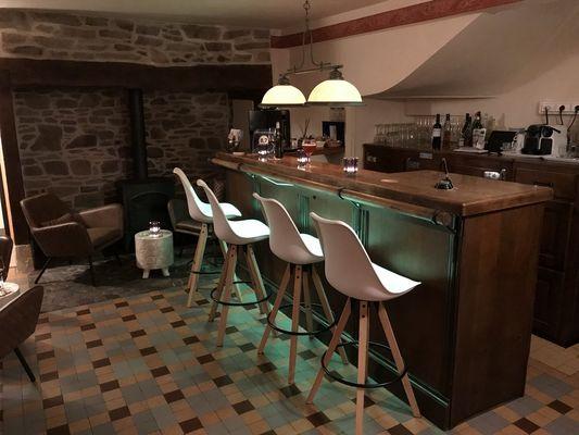 Ch-hotes-LeSautDeLaBergere-Aubazine_bar