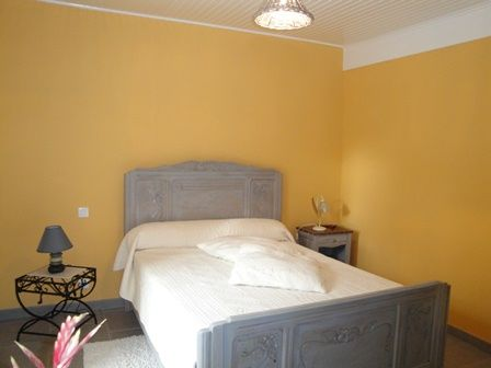 Ch-hotes_Mme-Madelbos-Aubazine_chambre
