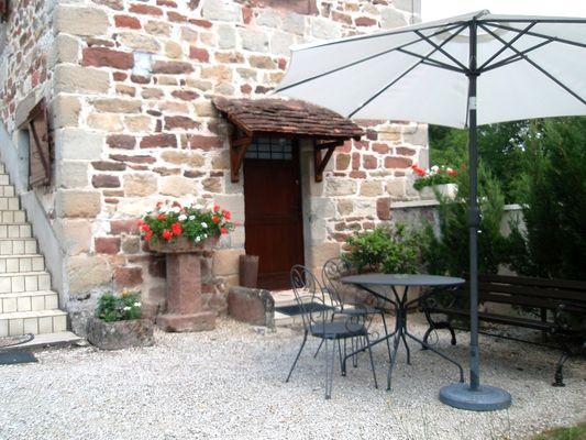 ChHotesLeBacquet-StJulienMaumont_terrasse
