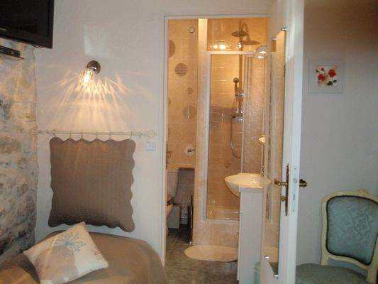 ChHotesLeBacquet-StJulienMaumont_chambre