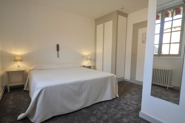 Chambre 1- Relais Saint Jacques - Collonges-la-Rouge