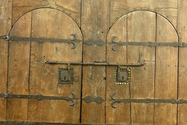 EgliseAbbatialeArmoire-zoom-armoire