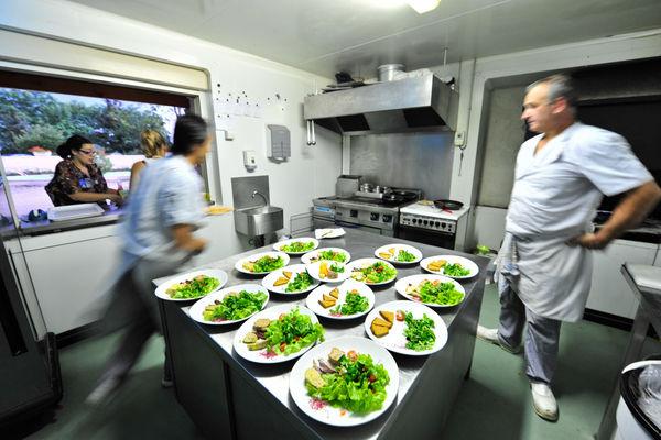 En cuisine - Ferme-Auberge de la Veillée Gourmande_10 © Lot Tourisme - C. ORY